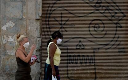 Coronavirus, Cuba vara la stretta. Turisti chiusi negli hotel. VIDEO