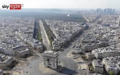 Coronavirus, drone mostra Parigi deserta dall'alto. VIDEO