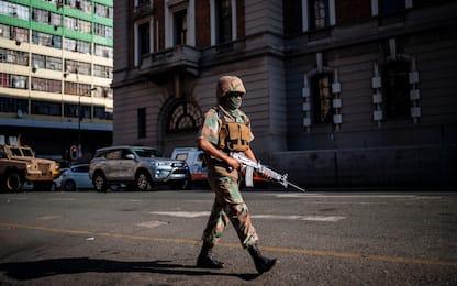 Coronavirus, Sudafrica in lockdown: esercito in strada. FOTO