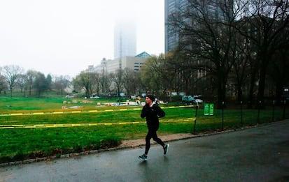 Coronavirus Usa, un ospedale da campo a Central Park. FOTO