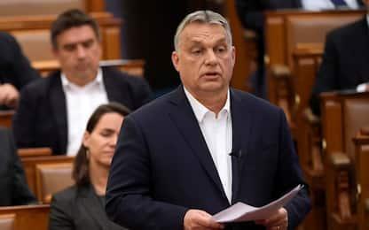 Coronavirus, il Parlamento ungherese dà i pieni poteri a Orban