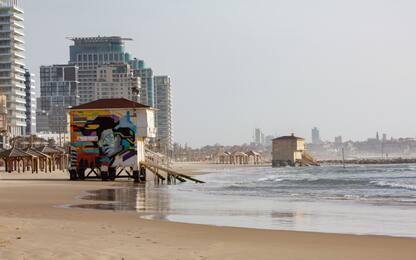 Coronavirus Israele, vuote le spiagge di Tel Aviv. FOTO