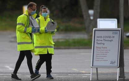 Coronavirus, nel Regno Unito 569 morti in un giorno