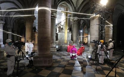 Parigi, a Notre-Dame cerimonia eccezionale del venerdì santo