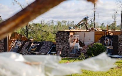 Tornado nel Sud degli Usa: oltre 30 morti. LE FOTO