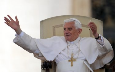 0GettyImages-papa-ratzinger-foto
