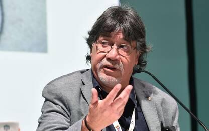 È morto Luis Sepúlveda, lo scrittore aveva contratto il Covid-19