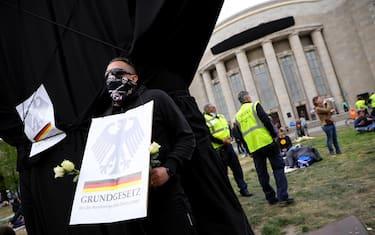 00coronavirus_berlino_proteste_ansa_hero