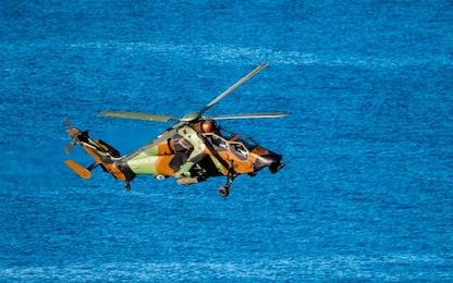 Elicottero Nato scomparso in mare tra Grecia e Italia: trovati rottami
