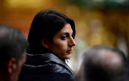 Roma, Virginia Raggi interrogata in una struttura della Polizia