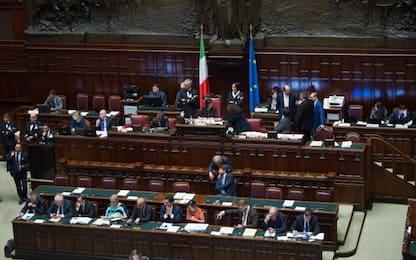 """Legge elettorale, Renzi: """"Si vota nel 2018"""". Grillo accusa Napolitano"""