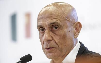 """Primarie Pd, Minniti ritira la candidatura. Renzi: """"No scissione"""""""