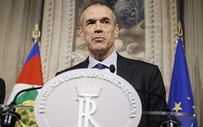 Governo, Cottarelli rimette il mandato a Mattarella: VIDEO