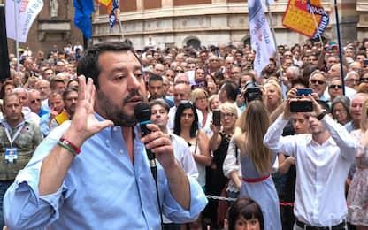 """Migranti, Salvini oggi a Pozzallo: """"Clandestini, la pacchia è finita"""""""