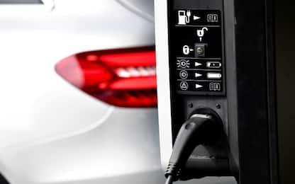 Auto elettriche, dal 1° luglio devono fare rumore col sistema Avas
