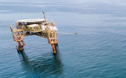 Ispettore di carico cade in mare al largo di Fiumicino e muore