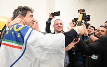Vincere l'Abruzzo. Canta: Matteo Salvini