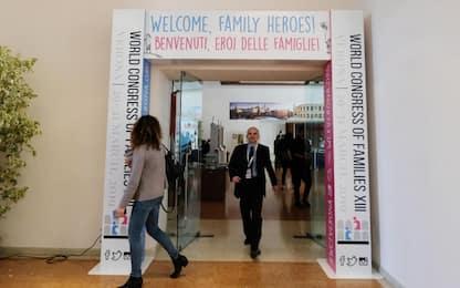 Congresso delle famiglie a Verona, è scontro sull'aborto