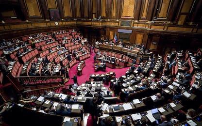 Manovra 2020, passata la fiducia al Senato, applausi in Aula