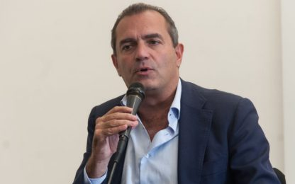 """Napoli, de Magistris: """"Mi candido a presidente della Calabria"""""""