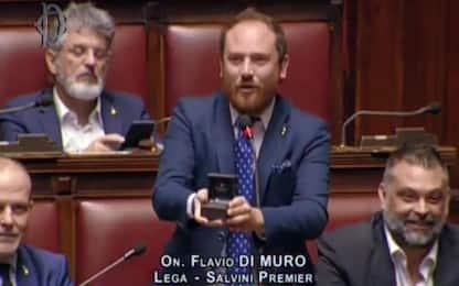 """Proposta di matrimonio alla Camera, critiche a Di Muro: """"Era finta"""""""