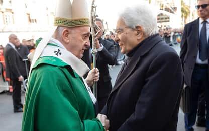 """Coronavirus, Mattarella al Papa: """"Italia guarda a lei con fiducia"""""""