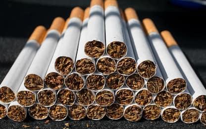 Napoli, sequestrati 306 chili di sigarette di contrabbando: un arresto
