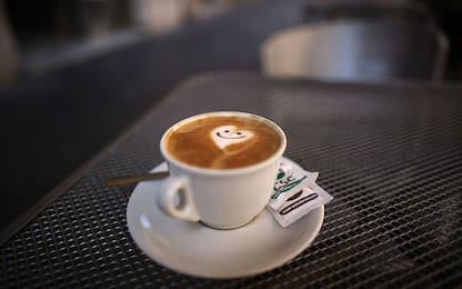"""Coronavirus Marsala, paga caffè al bar con 50 euro: """"Tenete il resto"""""""