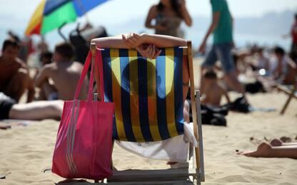Macchie sulla pelle, come comportarsi in estate