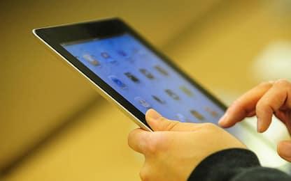 Ricettazione e riciclaggio tablet e smartphone, 4 arresti a Napoli