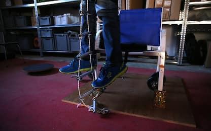 Un impianto senza fili per la cura delle lesioni spinali