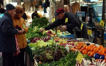 Torino, estorsione tra ambulanti del mercato: due arresti
