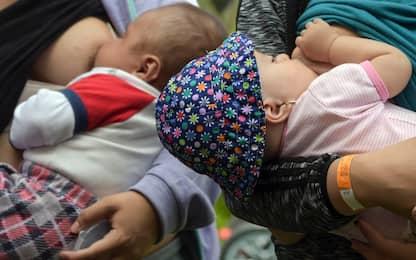 Coronavirus e gravidanza, Oms: si può allattare
