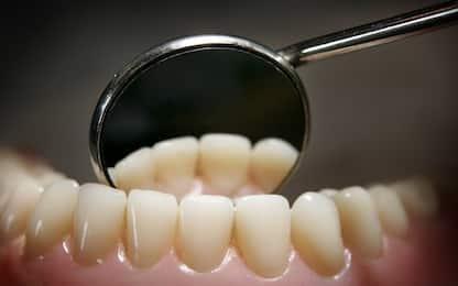 Covid-19, l'Oms consiglia di rimandare visite dentistiche non urgenti