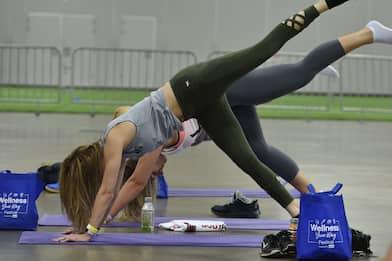 Pilates, tutti i benefici e gli esercizi da fare in casa