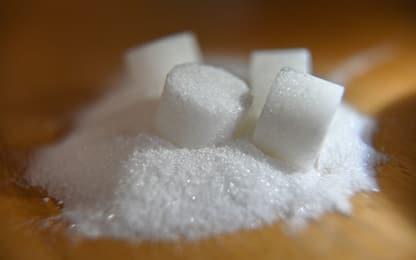 Zucchero, tra verità e falsi miti: le 4 cose da sapere