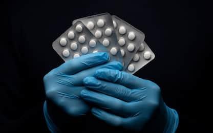 Farmaci anti-covid, oscurati dai Nas undici siti che li vendevano