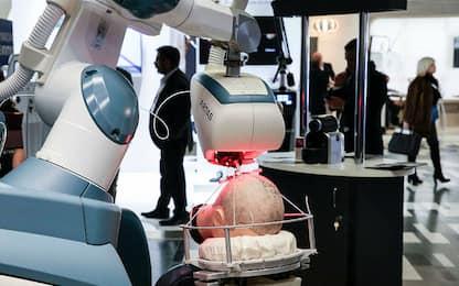Paziente in dialisi salvato grazie a un trapianto di rene con robot