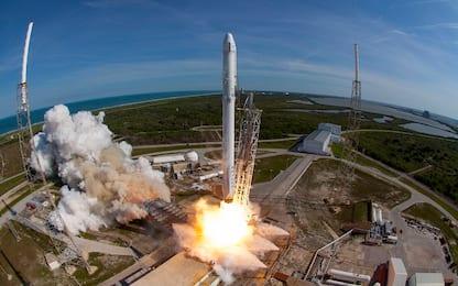 SpaceX lancia la prima missione del 2019 e annuncia tagli al personale