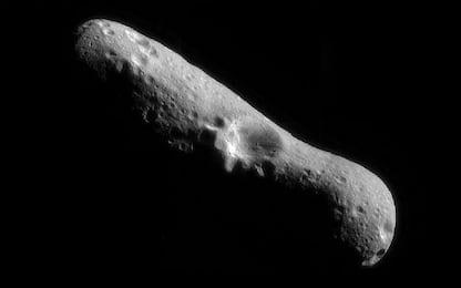 La sonda giapponese 'bombarda' l'asteroide Ryugu per analizzarlo