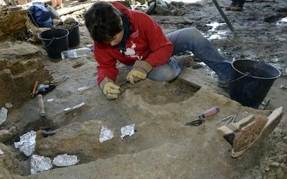 Scoperto cranio di un uomo preistorico in una grotta umbra
