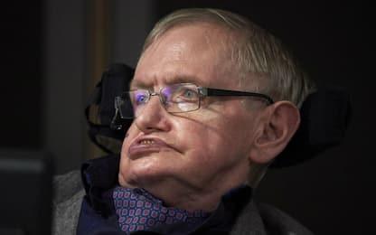 Stephen Hawking, pubblicato il suo ultimo studio sui buchi neri