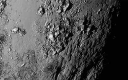 Su Plutone un possibile oceano nascosto isolato da gas