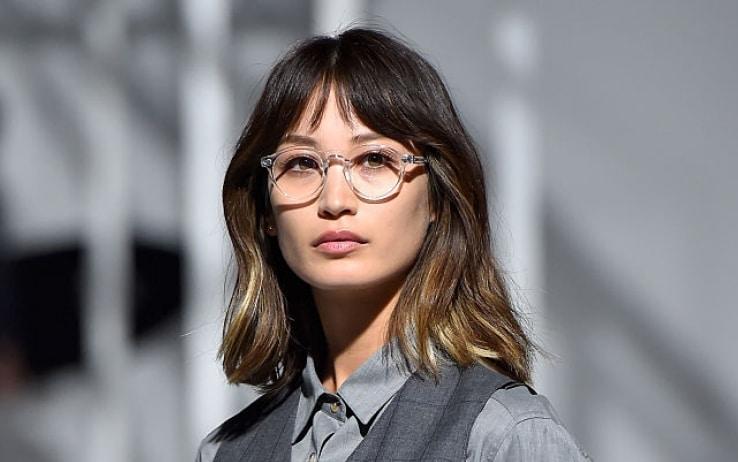 Studio, chi porta occhiali è percepito come più intelligente e onesto