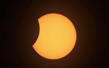Nel cielo di giugno due eclissi parziali: tutti gli eventi astronomici