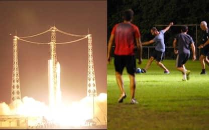 Guyana francese, la partita di calcio prima del lancio di Prisma