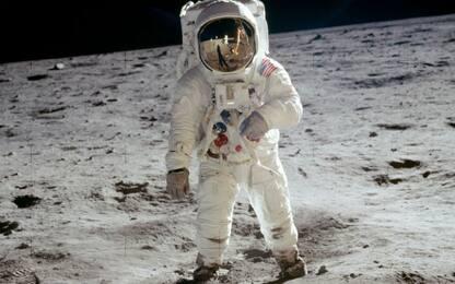 Missione spaziale Apollo 11, canzoni e libri dedicati all'allunaggio