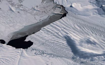 Iceberg gigante in Antartide, il rischio segnalato dai satelliti. FOTO