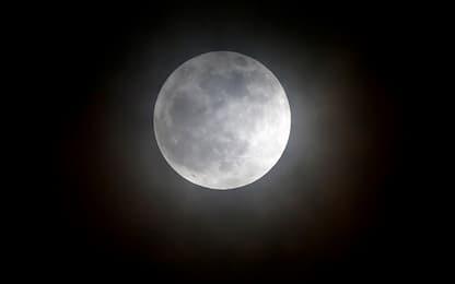 Nel cielo di aprile da non perdere la Superluna più vicina dell'anno