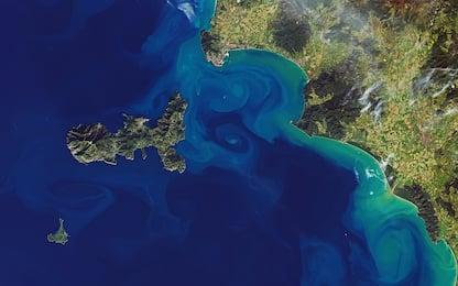 Nasa, le foto dei satelliti mostrano i colori accesi del Mediterraneo